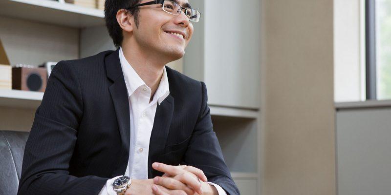 インタビューを受ける経営者イメージ